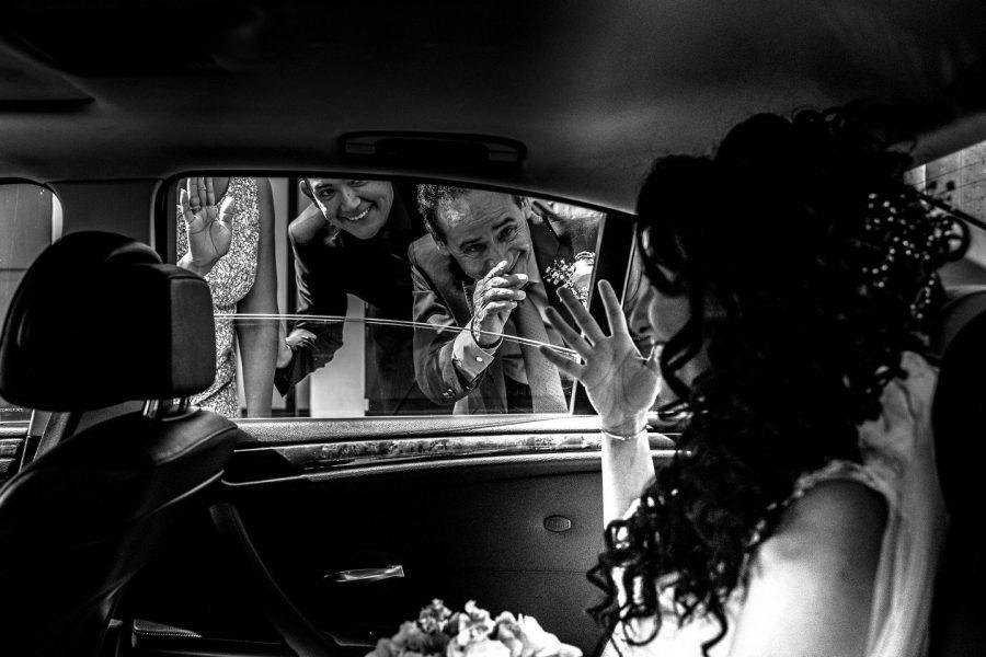 despiendome en el auto de bodas