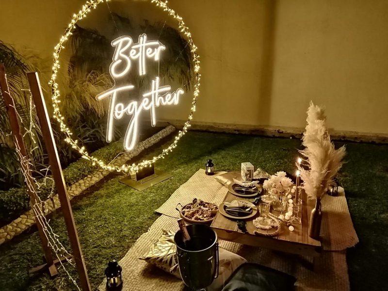 a rboles decorativos y letreros neon para eventos 36