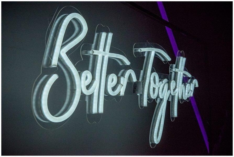a rboles decorativos y letreros neon para eventos 0015